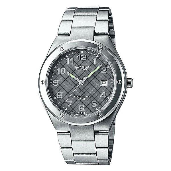 Часы Casio Collection Lin-164-8a GreyТехнические характеристики:  Дисплей с датой.Прочное, устойчивое к царапинам минеральное стекло защищает часы от повреждений.  Корпус из титана.Прочное, устойчивое к царапинам минеральное стекло защищает часы от повреждений. Резьбовое соединение на основании корпуса оптимально защищает внутренний механизм часов и одновременно обеспечивает легкий доступ, например, при замене аккумулятора.Аккумулятор обеспечивает часы достаточным питанием приблизительно на 2 года.   Всегда надежно: у этих часов есть особая безопасная предохранительная защелка, которая помогает предотвратить случайное расстегивание ремешка. Эти часы можно носить при принятии душа или ванны - часы проверены на водонепроницаемость до 5 Бар/на глубине до 50 метров.Точность:+/- 20 сек в месяц.  Тип батареи: SR626SW.<br><br>Цвет: серый<br>Тип: Кварцевые часы<br>Возраст: Взрослый<br>Пол: Мужской