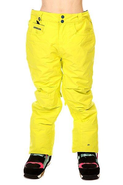 Штаны сноубордические детские Quiksilver State Sulphur SpringКлассические сноубордические штаны State из новой коллекции Quiksilver, выполненные в однотонной расцветке. Проклеенные основные швы защищают райдера от холода и влаги, тогда как сетчатые карманы на молнии, расположенные на внутренней стороне бедер, обеспечат хорошую вентиляцию.  Технические характеристики: Водонепроницаемая мембрана Dry Flight 10К (10 000 мм / 10 000 г).Подкладка из тафты.Критические швы проклеены.Сеточная вентиляция.Регулировка талии.Система приподнимания и фиксации края штанин в целях ухода.Края штанин на кнопке.Держатель для скипасса.Тройная система застегивания.Фасон - стандартный (regular fit).<br><br>Цвет: желтый<br>Тип: Штаны сноубордические<br>Возраст: Детский