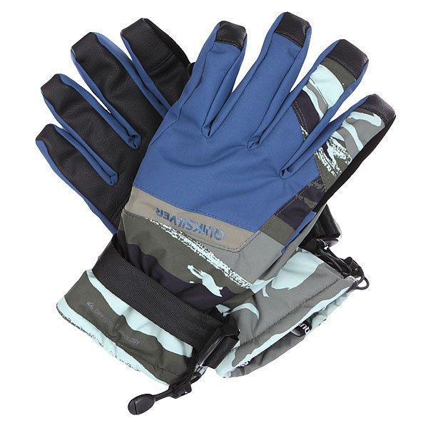 Перчатки сноубордические Quiksilver Mission Glove Alaskan Camo MilitarОчень хорошую защиту обеспечат вам эти перчатки от культового бренда!  Модель представлена в оригинальном стиле. Плоские швы, дополнительные вставки приведут в восторг. Износостойкие перчатки, которые обеспечат Вам сухость, тепло и комфорт на протяжении всего дня катания. Мембранная ткань Dry Flight и утеплитель Polyfill 140 г защитят от холода, влаги и ветра, а эргономичный крой подарит свободу движений. Также имеется вставка на указательном пальце, позволяющая работать с сенсорным экраном прямо в перчатках.Характеристики:Водостойкая и дышащая мембранная ткань Dry Flight. Технология Touchscreen для управления сенсорными экранами. Утеплитель Polyfill 140 г. Эргономичный крой не сковывает движений. Замшевая вставка на большом пальце для протирания линзы маски. Фиксатор на запястье. Эргономичные манжеты, удобно регулируемые одной рукой. Эластичный ремешок. Ладонь из искусственной кожи.<br><br>Цвет: зеленый,синий,черный<br>Тип: Перчатки сноубордические<br>Возраст: Взрослый<br>Пол: Мужской
