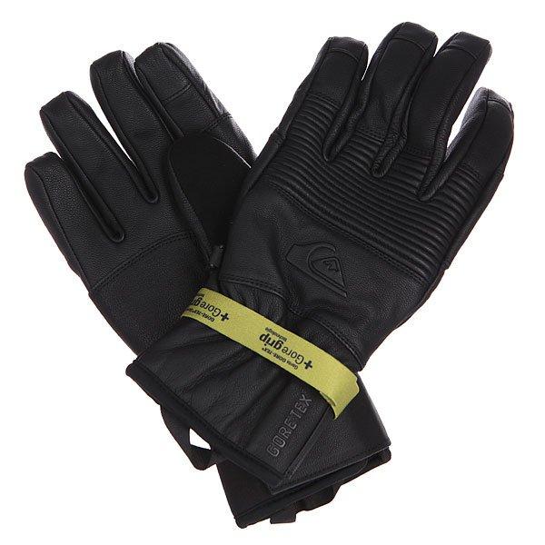 Перчатки сноубордические Quiksilver Tr Natural BlackВысококачественные перчатки Quiksilver из натуральной кожи надежно защитят Ваши руки от мороза и влаги, благодаря утеплителю Polyfill в сочетании с мембраной Gore-Tex. Мягкий материал на внешней стороне большого пальца будет очень кстати, если Вам потребуется протереть линзу маски, а технология Touchscreen позволит управлять сенсорными устройствами прямо в перчатках.Выбор члена команды Quiksilver Трэвиса Райса.Характеристики:Прочная водо- и ветронепроницаемая мембрана Gore-Tex®.Технология Touchscreen на ладони позволяет управлять сенсорными устройствами.Регулируемые манжеты на липучке.Утеплитель Polyfill 80 г. Эластичные манжеты.Фирменный логотип на внешней стороне.Технология Gore Grip: износостойкий цепкий материал на ладони.Именная модель сноубордиста TravisRice.<br><br>Цвет: черный<br>Тип: Перчатки сноубордические<br>Возраст: Взрослый<br>Пол: Мужской