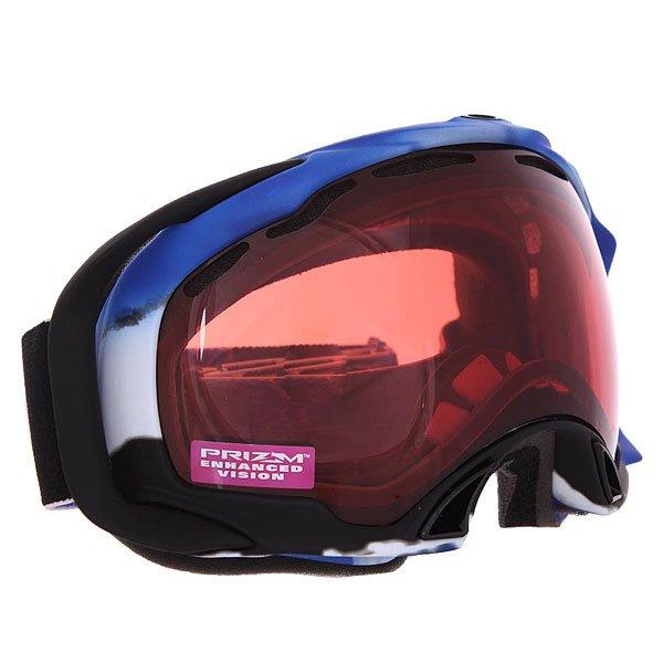 Маска для сноуборда Oakley Splice Simon Dumont Blue Prizm RoseСупер технологичная маска от бренда Oakley. Непередаваемое удобство анатомической системы - теперь маска равномерно распределена по всей области прилегания, минимизировано давление на носовую область. Пластик этой маски останется гибким даже в самые суровые морозы.Технические характеристики: Линзы Prizm™ обеспечивают беспрецедентный контроль светопропускания, увеличивают  контраст и улучшают видимость.Отличный периферийный обзор без искажений.100% защита от ультрафиолетовых лучей (UVA, UVB и UVC).Гибкая рамка оправы O Matter™ адаптируется под форму лица.Легкая и быстрая смена линз.Оптика высокой точности HDO®.Покрытие F2 Anti-fog препятствует запотеванию линзы.Линзы соответствуют стандарту качества ANSI Z87.1.Внутреннее покрытие из трехслойной пены для лучшего прилегания маски к лицу.В месте соприкосновения с лицом дополнительный слой нежного поглощающего влагу флиса.Регулируемый ремешок с силиконовой накладкой против скольжения.Оптимизирована для средней и широкой формы лица.<br><br>Цвет: синий,белый<br>Тип: Маска для сноуборда<br>Возраст: Взрослый<br>Пол: Мужской