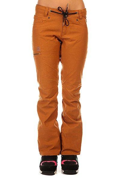 Штаны сноубордические женские DC Viva Pt J Snpt Cathay SpiceСноубордические штаны с мембраной 15K. В них Вы будете выглядеть расслабленно и чувствовать себя так же комфортно, словно Вы надели свои любимые джинсы.Характеристики:Дышащая и водостойкая мембрана EXOTEX™ 15K.Утеплитель: 40 г. Подкладка из тафты итрикотажными вставками с начесом в районе колен и ягодиц. Система вентиляции на внутренней стороне бедра на молнии. Снегозащитные гетры. Внутренняя регулировка талии. Система крепления куртки к штанам. Низ штанин на молнии. Задние карманы. Боковые карманы. Накладные карманы. Держатель для ски-пасса. Пояс со шнурком. Логотип DC. Tailored fit (по фигуре: не слишком свободно, не слишком узко).<br><br>Цвет: коричневый<br>Тип: Штаны сноубордические<br>Возраст: Взрослый<br>Пол: Женский