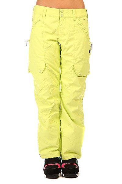 Штаны сноубордические женские DC Ace Pt J Snpt Sunny LimeСноубордические штаны с отличными характеристиками и простым дизайном. Вы получите максимальное удовольствие от катания, а такжетепло и сухие ногив любую зимнюю погоду.Характеристики:Свободный крой. Водостойкая мембрана EXOTEX™ 10K.Утеплитель: 40г.Подкладка из тафты. Проклеенные критические швы. Система вентиляции. Система вертикальной утяжки штанин. Снегозащитные гетры. Система крепления куртки к штанам. Внутренняя регулировка талии. Клиновидная вставка внизу штанин на кнопке. Держатель для ски-пасса. Логотип DC.<br><br>Цвет: зеленый<br>Тип: Штаны сноубордические<br>Возраст: Взрослый<br>Пол: Женский