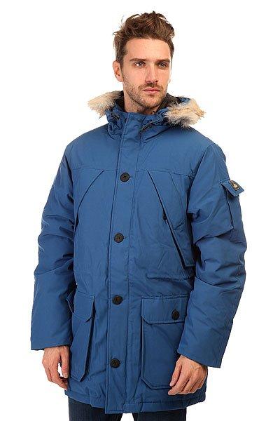 Куртка парка Penfield Hoosac Rf Hooded Down Mountain Parka CobaltУтепленная куртка парка Penfield Hoosac  - классика, проверенная временем.Характеристики:Верх из комбинации материалов с влагонепроницаемой обработкой.Внутренняя подкладка из тафты. Съемный капюшон с отделкой из искусственного меха. Подкладка для подбородка из микрофибры. Застежка-молния + пуговицы. Фиксированная снегозащитная «юбка». Регулируемые эластичные манжеты. Потайная утяжка пояса. Утепленные карманы для рук. Фасон: парка (parka).<br><br>Цвет: голубой<br>Тип: Куртка парка<br>Возраст: Взрослый<br>Пол: Мужской