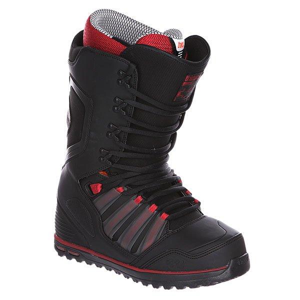 Ботинки для сноуборда Thirty Two Prime Red/BlackСупернадежный бронебойный ботинок для покорителей пухляка и прочего фрирайда. Отличает тщательное усиление каждого элемента конструкции, с расчетом на беспощадную эксплуатацию.Характеристики:Влагонепроницаемая формула поверхности. Нейлоновый мягкий утепленный анатомический внутренний носок с тройной подкладкой Level 3.  Классическая мягкая стелька Level 3. Внутренняя ультралегкая  амортизирующая анатомическая стелька EVA foam. Артикуляционная форма голенища.Внутренняя поверхность обработана Aegis – специальным антибактериальным составом.Мягкий оптимизированный язычок 3D. Функциональная подошва из натурального каучука. 1:1 Lasting– Индивидуальная форма и размер стельки для каждого размера ботинок. Специальная усиленная конструкция задника, прочная, гибкая и долговечная. Tongue Tension System – гибкий и цепкий язык, хорошо фиксирующий ногу с помощью дополнительной проушины для шнуровки.<br><br>Цвет: черный,красный<br>Тип: Ботинки для сноуборда<br>Возраст: Взрослый<br>Пол: Мужской
