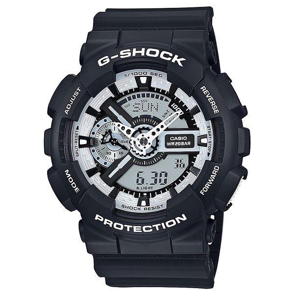 Часы Casio G-Shock Ga-110Bw-1AТочный кварцевый механизм c электронным диплеем. Часовая и минутная стрелки.Характеристики:Элемент питания CR1220. Точность хода не хуже -/+15 сек./в месяц. Срок службы батареи 2 года. Электрическая светодиодная подсветка с функцией автоматической подсветки при наклоне часов к лицу. Отображение текущего времени в основных городах и регионах мира. 29 временных зон (48 городов + Универсальное координирование времени), отображение кода города, переход на летнее время. Секундомер с точностью показаний 1/1000 сек и максимальным временем измерения - 10 час. Таймер с функцией автоповтора. 5 будильников в возможностью работы в пятидневном и еженедельном режимах. Функция повтора сигнала будильника (Snooze). Автоматический календарь. Особая ударопрочная конструкция защищает от ударов и вибрации. Магнитоустойчивость по 1 разряду Японского промышленного стандарта (Соответствует стандарту MOC-ISO 764) обеспечивает устойчивость к воздействию магнитных полей. Минеральное стекло устойчивое к возникновению царапин.Водозащита до 20 АТМ. Ремешок из полимерного материала.<br><br>Цвет: черный<br>Тип: Электронные часы<br>Возраст: Взрослый<br>Пол: Мужской