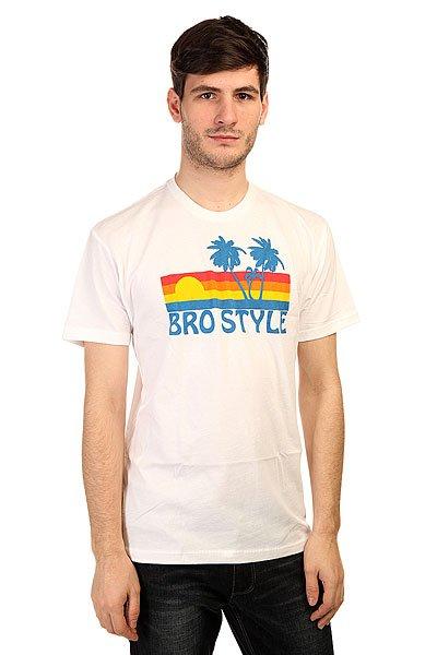 Футболка Bro Style Sunset WhiteОдежда от бренда Bro Style, выполненная в фирменном стиле, буквально заряжена позитивом, при этом она стильная, и соответствует современным тенденциям моды.Технические характеристики:Фасон стандартный (Regular fit).Красочный принт на груди.<br><br>Цвет: белый<br>Тип: Футболка<br>Возраст: Взрослый<br>Пол: Мужской