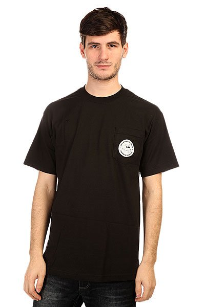 Футболка Creature Customs Pocket BlackПринты в футболках Creature действительно неповторимы. Где еще Вы встретите такой пугающе-симпатичный рисунок на одежде? Только в Creature!Технические характеристики: Фасон стандартный (Regular fit).Нагрудный карман с принтом.Объемный принт на спине.<br><br>Цвет: черный<br>Тип: Футболка<br>Возраст: Взрослый<br>Пол: Мужской