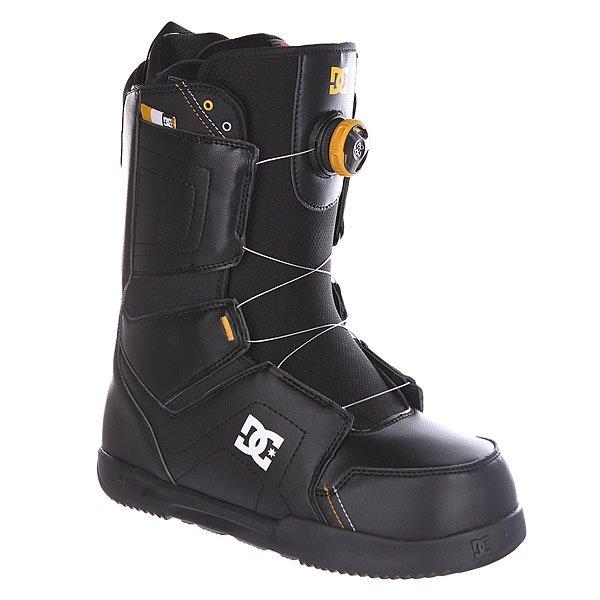 Ботинки для сноуборда DC Scout BlackМужские сноубордические ботинки Scout из сноубордической коллекции DC Shoes.Технические характеристики: Шнуровка Boa® H3 Coiler Closure System.Текстильная подкладка.Внутренняя ультра лёгкая амортизирующая анатомическая стелька EVA.Подошва Foundation UniLite - запатентованная технология обеспечивает прочность, амортизацию, устойчивость к деформации и маленький вес. Она сконструирована так, чтобы избежать налипание снега.Внутренний сапог Red.Базовая стелька Snow Basic.<br><br>Цвет: черный<br>Тип: Ботинки для сноуборда<br>Возраст: Взрослый<br>Пол: Мужской
