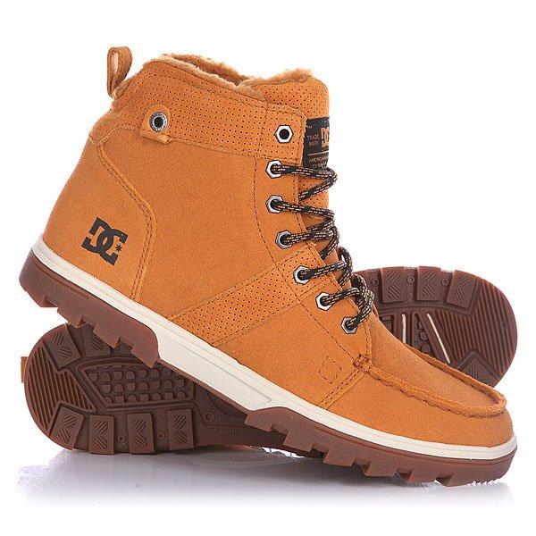 Ботинки зимние DC Woodland Wheat/WhiteМужские ботинки Woodland от DC Shoes.Технические характеристики: Обеспечивают полноценное тепло и комфорт.Замшевый верх.Подкладка из шерпы.Круглая шнуровка.Шестигранные металлические люверсы.Удобные язык и лодыжка с пенным наполнителем.Грубая подошва.<br><br>Цвет: коричневый<br>Тип: Ботинки зимние<br>Возраст: Взрослый<br>Пол: Мужской
