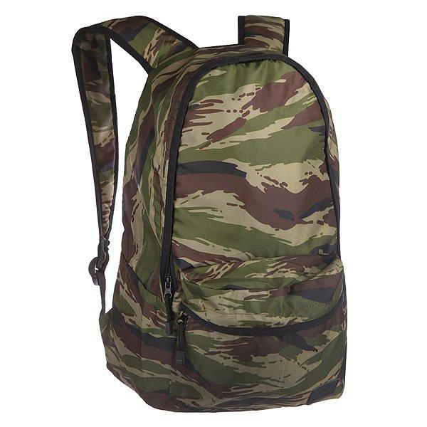 Рюкзак городской Skills Seven Days CamoХарактеристики: Внутренняя подкладка из тафты. Дополнительный накладной лицевой карман для мелочей.  Смягченная задняя панель. Небольшая ручка сверху рюкзака для ношения в руке. Широкие мягкие регулируемые лямки для удобства ношения.<br><br>Цвет: зеленый,коричневый,черный<br>Тип: Рюкзак городской<br>Возраст: Взрослый<br>Пол: Мужской