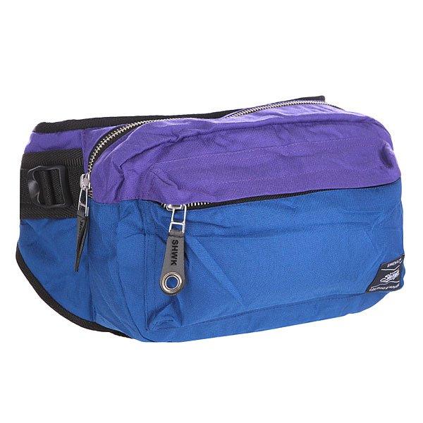 Сумка поясная Shweyka Hippack Violet/BlueНовая поясная сумка, сочетает в  себе прочность американской ткани CORDURA 700 DEN и искусственной кожи, отлично подойдет как для длительных поездок так и для повседневного использования. Высокопрочные материалы и практичная форма позволяет носить сумку как на плече так и на поясе.Технические характеристики: Материал: CORDURA 700 DEN.Фурнитура: Высококачественная японская фурнитура YKK.Функционал: 3D сетка с тыльной стороны сумки.Внешний карман на молнии.Основное отделение на молнии.Регулируемый ремень.<br><br>Цвет: синий,фиолетовый<br>Тип: Сумка поясная<br>Возраст: Взрослый<br>Пол: Мужской