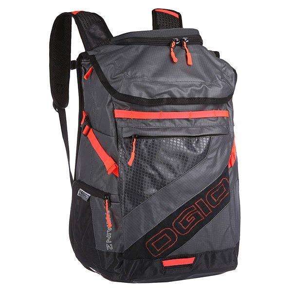 Рюкзак туристический Ogio X Train 2 Pack Dark Gray/BurstРюкзак OGIO X-Train - это отличный помощник в вашей спортивной жизни.Запоминающийся дизайн рюкзака, грамотно организованные карманы и отсеки позволят лаконично разместить в нем все необходимые спортивные вещи. Высокая прочность материала, легкая конструкция, продуманные карманы и стильный дизайн - и это все про сумку-рюкзак OGIO X-Train.Характеристики:Мягкие лямки.Внешний карман на молнии с органайзером для мелочей и с сетчатыми карманами.Отсек в основном отделении для 17-дюймового ноутбука.Небольшие карман внутри основного отделения.Внешний карман на молнии для планшета, спрятанный под основным клапаном.Клапан рюкзака застегивается на молнию.Логотип на внешней стороне.Боковые карманы на молниях.Ручка для переноски.Молнии YKK.<br><br>Цвет: серый<br>Тип: Рюкзак туристический<br>Возраст: Взрослый<br>Пол: Мужской