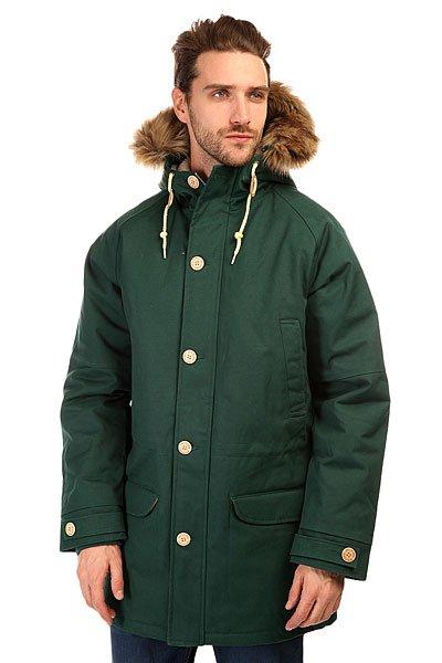 Куртка парка Запорожец Ditch Parka Dark GreenЗимняя куртка от российского бренда Запорожец, вдохновлённого советским наследием нашей страны. Плотная хлопковая ткань со специальной водоотталкивающей и ветрозащитной пропиткой дополнена тёплой подкладкой с внутренней части, что обеспечивает комфорт и тепло даже в сильные морозы. Куртка обладает традиционным, слегка удлинённым силуэтом, застёжкой на молнии с ветрозащитной планкой и множеством карманов. Рукав-реглан, трикотажные манжеты, регулируемые паты и удобный капюшон с меховой опушкой. Куртка представлена в нескольких однотонных расцветках, украшенных нашивкой с изображением логотипа бренда и металлическими пуговицами с брендингом.Характеристики:Водоотталкивающая обработка. Тёплая подкладка. Комфортный крой. Утеплитель парки — isoflex 140 грамм.Множество карманов. Металлическая молния с ветрозащитной планкой.  Трикотажные манжеты. Однотонная расцветка.<br><br>Цвет: зеленый<br>Тип: Куртка парка<br>Возраст: Взрослый<br>Пол: Мужской