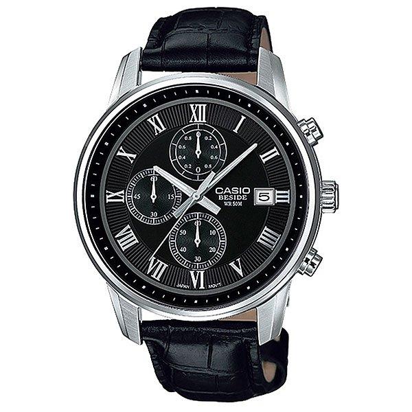 Часы Casio Collection Bem-511l-1a Black/SilverКлассические мужские часы из коллекции Casio Beside имеют современный элегантный дизайн. Характеристики:Крупные римские цифры на часовых метках вместе с изысканными малыми циферблатами хронографа являются настоящим украшением циферблата. Хронограф подойдет для того, чтобы засекать время длительностью до 60 минут. Точность хронографа составляет 1/10 секунды. Японский кварцевый механизм, модуль 5345. Имеет погрешность ±20 секунд в месяц.Элемент питания SR920SW рассчитан на 2 года работы. Центральные часовая, минутная и секундная стрелки. Апертура даты на 3 часах. Стальной корпус. Циферблат с накладными римскими цифрами. Минеральное стекло стойкое возникновению царапин. Задняя крышка имеет винтовое соединение с корпусом. Водостойкость 50 метров. Кожаный ремешок с раскладывающейся браслетной застежкой.<br><br>Цвет: черный,серый<br>Тип: Кварцевые часы<br>Возраст: Взрослый<br>Пол: Мужской