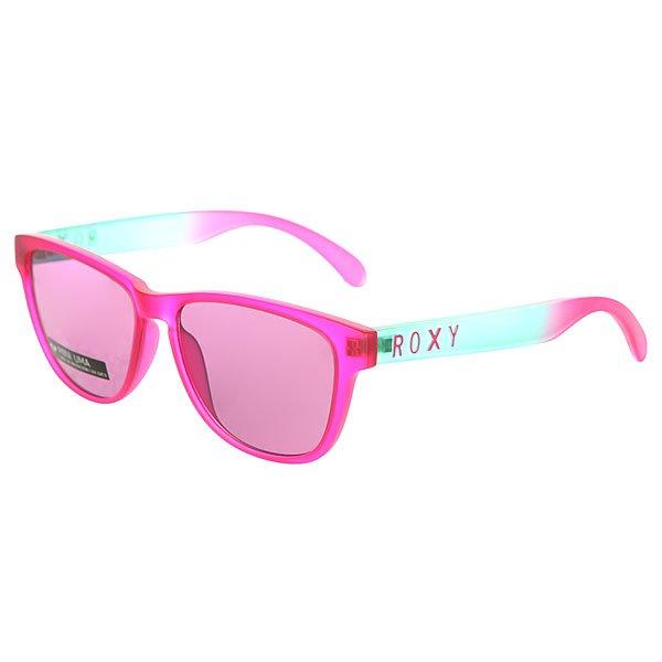 очки женские Roxy Mini Uma Pink/FlashСтильные очки для стильных леди.Характеристики:Оправа из гриламида.Оптически корректные поликарбонатные линзы.6-тислойное покрытие против царапин.3 категория защиты линз от очень ярких солнечных лучей. 100% защиты от УФ-лучей (UV A, UVB). Оправа среднего размера. Мягкая защитная сумочка в комплекте.Яркие, легкие очки в квадратной оправе из очень прочного материала Grilamid.Технические характеристики: Материал оправы Grilamid - современный полимер, используемый для солнцезащитных очков, обладает высокой устойчивостью к высоким температурам и ударопрочностью.Прочные линзы из поликарбоната.100% защита от солнечных лучей.Линза 3 категории защиты для превосходной фильтрации в очень солнечную погоду.Футляр в комплекте.Маленький размер.<br><br>Цвет: голубой,розовый<br>Тип: Очки<br>Возраст: Взрослый<br>Пол: Женский