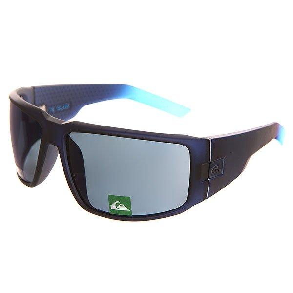 Очки Quiksilver Slab Navy/Plz BlueОчки в спортивной оправе идеально адаптируются к форме лица, благодаря чему очки не теряют устойчивости даже при сильных движениях.Технические характеристики: Оправа из сплава Rilsan Clear G830 Rnew.Прочные линзы из поликарбоната.100% защита от UVA, UVB и uvc лучей.Линза 3 категории для превосходной фильтрации в очень солнечную погоду.Сделано в Италии.<br><br>Цвет: черный<br>Тип: Очки<br>Возраст: Взрослый<br>Пол: Мужской