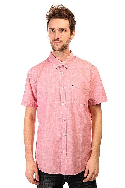 Рубашка Quiksilver Wilsdenss Wvtp American BeautyКлассическая мужская рубашка с короткими рукавами от Quiksilver.Технические характеристики: Классический отложной воротник на пуговицах.Свободный крой.Короткие рукава.Нагрудный карман с логотипом.Застежка - пуговицы.<br><br>Цвет: розовый<br>Тип: Рубашка<br>Возраст: Взрослый<br>Пол: Мужской