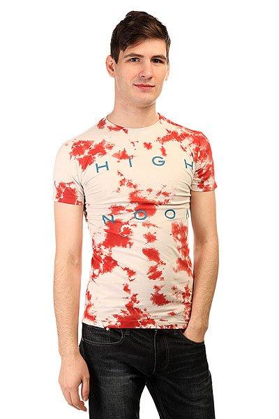 Футболка Altamont Hi Noon Tie Dye Tee CardinalКреативная мужская футболка ручной окраски - варенка. Футболки в таком исполнении были очень популярны в  80-х годах прошлого столетия.Технические характеристики: Короткий рукав.Приталенный крой.Ручная окраска с принтом.<br><br>Цвет: бежевый,красный<br>Тип: Футболка<br>Возраст: Взрослый<br>Пол: Мужской