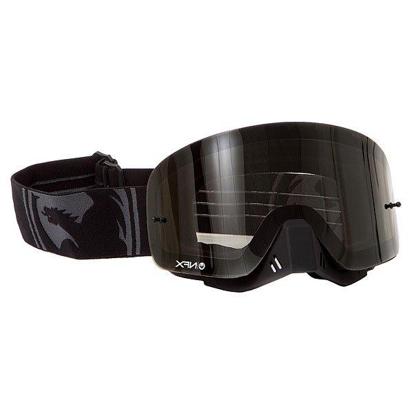 Маска для сноуборда Dragon Nfx Murdered Smoke/ClearNFX - сочетает в себе визуальное превосходство дизайна маски с запатентованной безоправной технологией и цилиндрической линзой, а крепления для отрывных пленок Tear Offs позволяют быстро адаптироваться к изменчивым погодным условиям.Технические характеристики: Запатентованная безоправная технология.Гипоаллергенный уплотнитель из микрофлиса, впитывающий влагу.Четырехслойный уплотнитель.Антизапотевающая, устойчивая к царапинам линза Lexan (AFT).100% защита от ультрафиолета.Армированная сетка вентиляции.Крепления для отрывных пленок Tear Offs.Съемная защита носа.Ремень с силиконом.Линза Smoke лучше всего подходит для яркого солнца, добавляет четкости и защищает от яркого света.<br><br>Тип: Маска для сноуборда<br>Возраст: Взрослый<br>Пол: Мужской