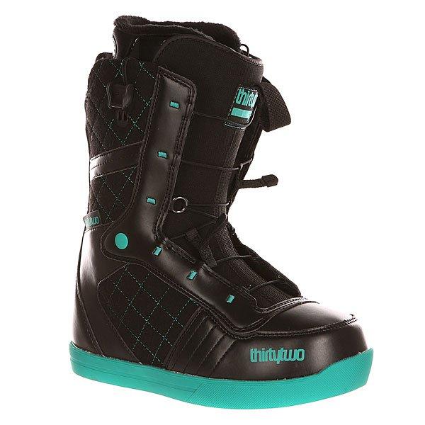 Ботинки для сноуборда женские Thirty Two Z 86 Ft Black/BlueМягкие сноубордические ботинки с системой быстрой шнуровки Fast Track на скейтовой подошве SKATE INSPIRED.Технические характеристики: Комфортная конструкция ботинок (COMFORT FIT).Стелька LEVEL 1 из материала EVA с  утеплением из шерпы.Внутренник LEVEL 1F LINER: формованный вкладыш Heat Moldable Intuition Ultralon из пены для комфорта, тепла и поддержки; шнуровка; анатомические накладки на пятки из EVA для оптимальной фиксации; антимикробное покрытие; манжеты Fuzzy Cuff.3D литой язычок.Система быстрой шнуровки Fast Track.Резиновая подошва SKATE INSPIRED.<br><br>Цвет: черный,голубой<br>Тип: Ботинки для сноуборда<br>Возраст: Взрослый<br>Пол: Женский