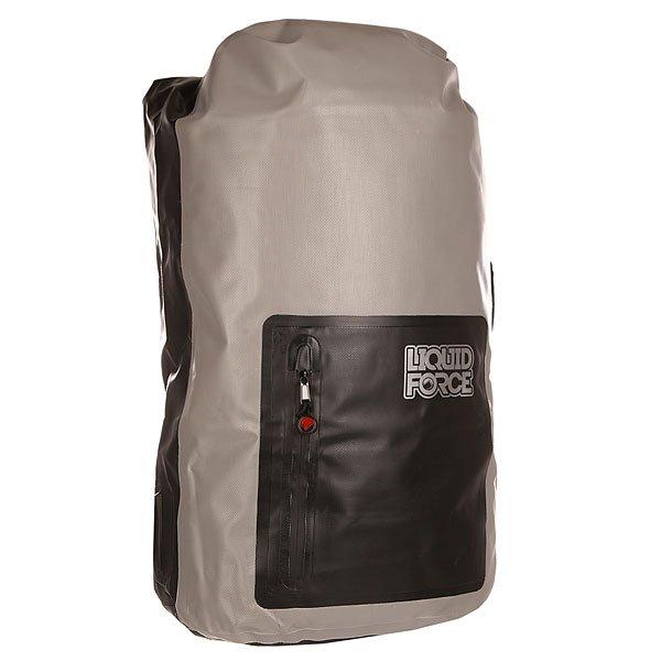 Рюкзак туристический Liquid Force Waterproof Gear Bag Large Black/GreyКогда Вы отдыхаете на пляже или путешествуете по воде, некоторые вещи должны оставаться сухими в любой ситуации - документы, техника, смена белья. Именно для этого и разработан абсолютно водонепроницаемый брезентовый рюкзак Gear Bag от Liquid Force. Сверху он закатывается в тугой ролик, а затем дополнительно застегивается на пряжку, благодаря чему у воды не остается никаких шансов проникнуть внутрь.Характеристики:Мягкие наплечные лямки и ручки для переноски обеспечивают комфортную транспортировку рюкзака. Просторный основной отсек и значительный передний карман.Водонепроницаемая молния. Верхняя и боковая ручка.<br><br>Цвет: серый,черный<br>Тип: Рюкзак туристический<br>Возраст: Взрослый