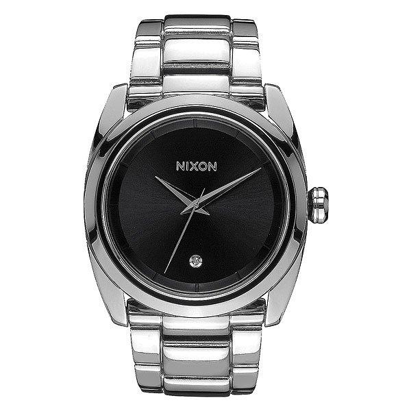 Кварцевые часы женские Nixon Queenpin BlackNixon Queenpin говорят о том, что не надо обладать внушительными габаритами для того, чтобы быть идеальными. Чистый дизайн, идеальный округлые линии и утонченное дополнение циферблата -бриллиант на 6 часах.Все для того, чтобы подчеркнуть Ваш вкус и стать аккуратным и стильным дополнением продуманного образа.Характеристики:Японский кварцевый механизмMiyota.3 стрелки. Функции: часы, минуты, секунды. Материал: прочная нержавеющая сталь.Задняя крышка из нержавеющей стали. Закалённое минеральное стекло.Бриллиант на циферблатена 6 часах. 3-секционный браслет. Застежка с микрорегулировкой. Материал: нержавеющая сталь.<br><br>Цвет: черный,серый<br>Тип: Кварцевые часы<br>Возраст: Взрослый<br>Пол: Женский