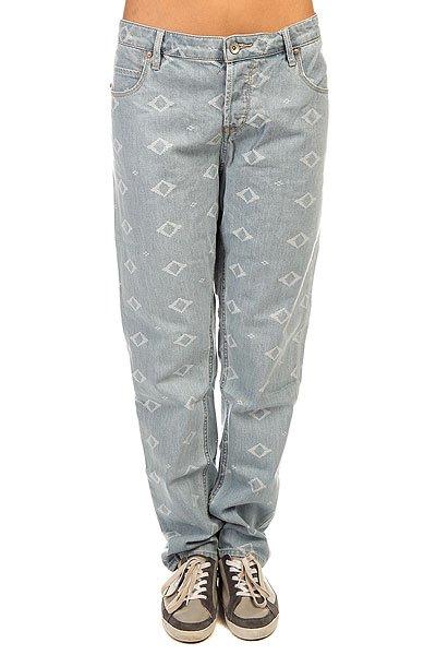 Джинсы широкие женские Roxy Burnin J Pant Vintage Light BlueЖенские джинсы свободного, комфортного кроя, не стесняющего движений для активного отдыха без границ.Технические характеристики: Свободный крой.Комфортная посадка.Жаккардовый принт.Карманы для рук.Карман для мелочи.Задние карманы.Петли для ремня.Кожаная нашивка Roxy.<br><br>Цвет: голубой<br>Тип: Джинсы широкие<br>Возраст: Взрослый<br>Пол: Женский