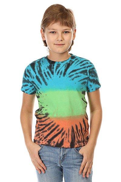 Футболка детская Quiksilver Psych Tee Psych Green GeckoЯркая детская футболка с насыщенным красочным принтом.Технические характеристики: Ткань Джерси - трикотажное полотно из шерстяных, хлопчатобумажных, шелковых или синтетических нитей, которое обладает определенной эластичностью и способностью растягиваться.Классический фасон.Короткие рукава.Яркий принт от Quiksilver.<br><br>Цвет: мультиколор<br>Тип: Футболка<br>Возраст: Детский