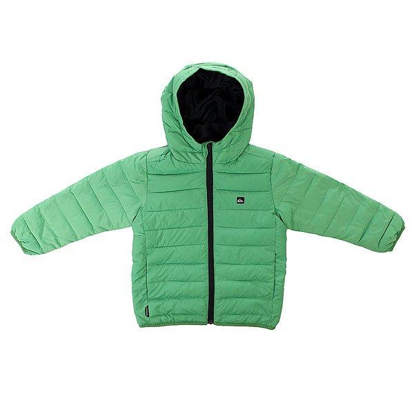 Куртка зимняя детская Quiksilver Scaly Active Boy Jckt GreenbriarДемисезонная куртка Quiksilver выполнена из быстросохнущего материала.Характеристики:Куртка с утеплителем. Стопроцентный полиэстер. Узкий крой. Два боковых кармана. Эластичные манжеты и подол.Стеганый дизайн. Имитация пухового наполнителя. Полиуретановая пропитка.<br><br>Цвет: зеленый<br>Тип: Куртка зимняя<br>Возраст: Детский