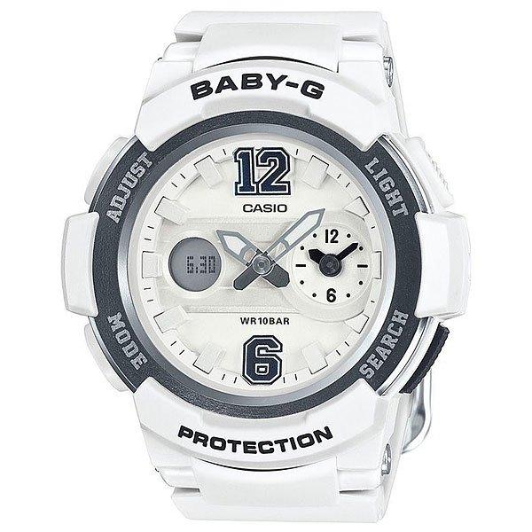 Кварцевые часы Casio Baby-G Bga-210-7B1 White/GreyПрактичные наручные часы в стильном корпусе из полимерного материала.Технические характеристики: Светодиодная подсветка.Ударопрочная конструкция защищает от ударов и вибрации. Неоновый дисплей.Функция мирового времени.Двойное время Dual Dial Time.Функция секундомера - 1 час.Таймер - 1/1 мин. - 1 час.Ежедневный будильник.Включение/выключение звука кнопок.Функция перемещения стрелок.Автоматический календарь.12/24-часовое отображение времени.Минеральное стекло - прочное, устойчивое к царапинам минеральное стекло защищает часы от повреждений.Корпус из полимерного пластика.Ремешок из полимерного материала.Время работы аккумулятора - 2 года.Водонепроницаемость (10 Бар).Точность +/- 30 сек в месяц.<br><br>Цвет: белый<br>Тип: Кварцевые часы<br>Возраст: Взрослый<br>Пол: Мужской