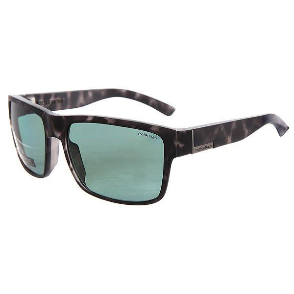 Очки Quiksilver Ridgemont Tortoise Black/PlzМужские солнцезащитные очки в стильной оправе в винтажном стиле из материала Grilamid.Технические характеристики: Материал оправы Grilamid - современный полимер, используемый для солнцезащитных очков, обладает высокой устойчивостью к высоким температурам и ударопрочностью.Прочные линзы из поликарбоната.Линзы с поляризованным покрытием.100% защита от UVA, UVB и uvc лучей.Линза 3 категории защиты для превосходной фильтрации в очень солнечную погоду.Футляр в комплекте.<br><br>Цвет: черный,серый<br>Тип: Очки<br>Возраст: Взрослый<br>Пол: Мужской
