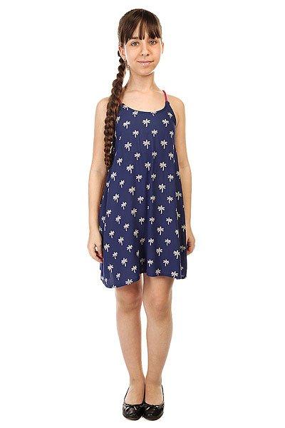 Платье детское Roxy Tropical Palm T Cvup Little Palm Tree ComПлатье для девочек Roxy Tropical Palm от ROXY.Характеристики:Хлопчатобумажная ткань. Тонкие бретели. Вышитое сердце ROXY на подоле. Свободный крой.<br><br>Цвет: синий<br>Тип: Платье<br>Возраст: Детский