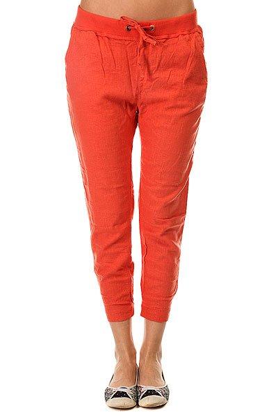 Штаны спортивные женские Roxy Silver ChiliЖенские штаны для бега Silver Linings от ROXY.Технические характеристики: Штаны для бега.Тканое полотно.Эластичный пояс и манжеты.Боковые карманы.Пояс на утяжке.Металлический логотип Roxy.<br><br>Цвет: оранжевый<br>Тип: Штаны спортивные<br>Возраст: Взрослый<br>Пол: Женский
