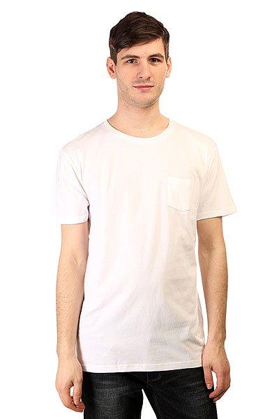 Футболка Quiksilver Adam Son Wall Tee WhiteМягкий хлопок, классический прямой крой и фирменное качество Quiksilver - отличный выбор для пополнения повседневного гардероба.Характеристики:Прямой крой. Круглый вырез.Короткий рукав. Плотность ткани: 160 г/кв.м (легкая). Принт на спине.<br><br>Цвет: белый<br>Тип: Футболка<br>Возраст: Взрослый<br>Пол: Мужской