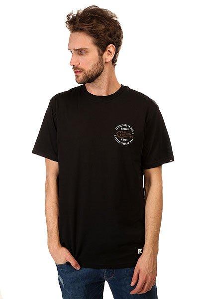 Футболка DC Califorya BlackМодные футболки с декоративным принтом и коротким рукавом на любой вкус никогда не выйдут из моды.Характеристики:Декоративный принт сбоку груди и на спине.Короткий рукав.Эластичная отделка горловины.<br><br>Цвет: черный<br>Тип: Футболка<br>Возраст: Взрослый<br>Пол: Мужской