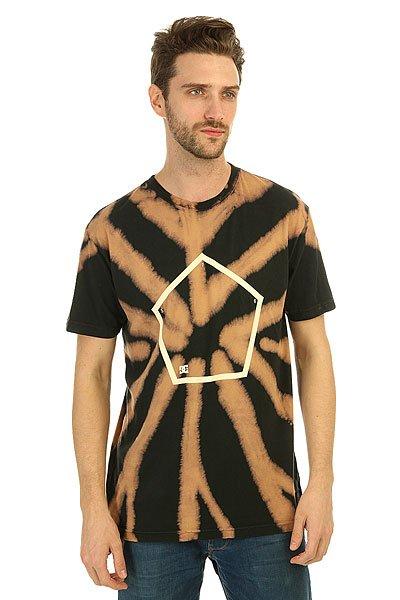 Футболка DC Reverser BlackКонтрастная мужская футболка с креативным принтом tie-dye Reverser от DC Shoes. Авторская модель от Evan Smith.Технические характеристики: Легкий натуральный трикотаж.Воротник с круглым вырезом.Короткие рукава.Свободный крой.Технология окраски tie-dye.<br><br>Цвет: черный,бежевый<br>Тип: Футболка<br>Возраст: Взрослый<br>Пол: Мужской