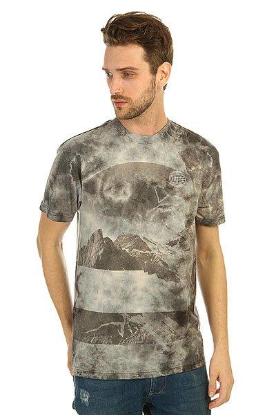 Футболка DC Cloud Kick Antique WhiteМодные футболки с декоративным принтом и коротким рукавом на любой вкус никогда не выйдут из моды.Характеристики:Декоративный принт на груди.Короткий рукав.Эластичная отделка горловины.<br><br>Цвет: серый<br>Тип: Футболка<br>Возраст: Взрослый<br>Пол: Мужской