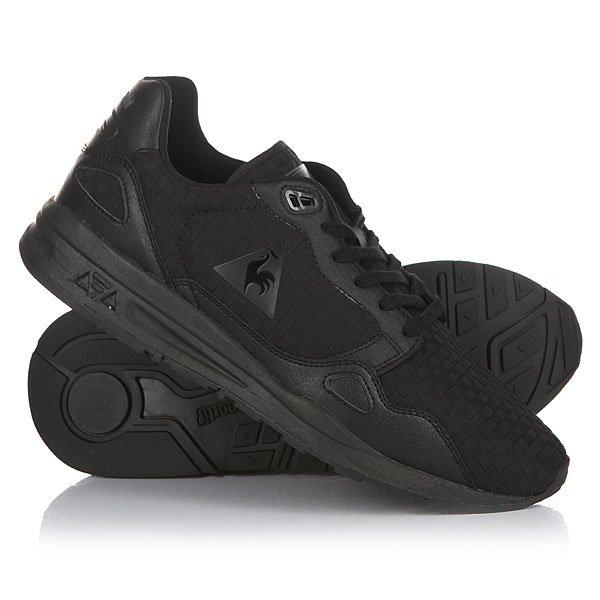Кроссовки Le Coq Sportif Lcs R900 Woven BlackМодель R900 - одна из звезд в линейке обуви Le Coq Sportif. Плетеный дизайн, кожаная отделка и толстая подошва с амортизацией Dynactif полностью соответствуют модным тенденциям наступающего сезона.Технические характеристики: Плетеный верх из нейлона.Текстильная подкладка и стелька.Цельный носок и высокая уплотненная пятка.Мягкий воротник и язычок.Плоская шнуровка.Амортизация Dynactif обеспечивает комфорт при любых обстоятельствах.Толстая резиновая подошва с нескользящим протектором.Логотип Le Coq Sportif.<br><br>Цвет: черный<br>Тип: Кроссовки<br>Возраст: Взрослый<br>Пол: Мужской