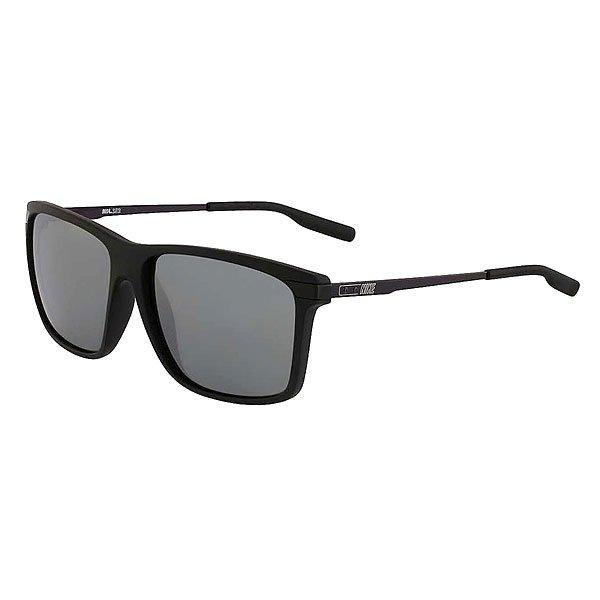 Очки Nike Optics Mdl 252 Matte Black/Matte Silver Flash LensСолнцезащитные очки в стильной матовой оправе из материала Grilamid.Технические характеристики: Винтажный стиль.Материал оправы Grilamid.Прочные и высококачественные линзы из поликарбоната.100% защиты от УФ-лучей (UVA, UVB и UVC).Логотип Nike.Ширина оправы 14,5 см, длина дужки 13,5 см, ширина линзы 5,8 см, высота линзы 4,6 см.<br><br>Цвет: черный<br>Тип: Очки<br>Возраст: Взрослый<br>Пол: Мужской