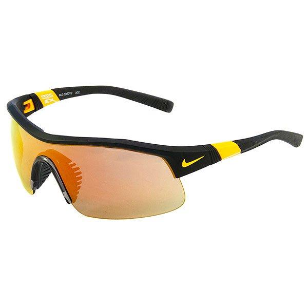 Очки Nike Optics Show X1 R Matte Black/Laser Orange Grey /Ml Orange Flash LensNike Show X1 - очки с отличным сцеплением, стабильностью и комфортом. Возможность установки сменных линз, а также Nike Max Lens Technology создают все условия для комфортной видимости в разных условиях.Технические характеристики: Вентилируемая резиновая переносица улучшает комфорт и уменьшает запотевание.Петли Cam-action.100% защиты от УФ-лучей.Спортивный дизайн предлагает комфортное покрытие и сводит к минимуму визуальные помехи.Возможно устанавливать сменные линзы.Технология Nike Max Optics - это передовое высокоточное оптическое решение для спортсменов. В сочетании с фотохромной технологией Transitions эти линзы способны адаптироваться к различным условиям спортивной деятельности и к изменениям освещения. Идеальные линзы для самых высоких спортивных результатов.Логотип Nike.Ширина оправы 16 см, длина дужки 13 см, высота оправы 5 см.<br><br>Цвет: черный<br>Тип: Очки<br>Возраст: Взрослый<br>Пол: Мужской
