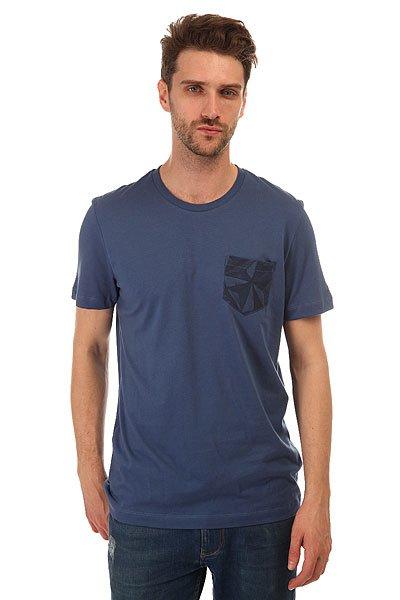 Футболка Le Coq Sportif Acar Tee Original Bleu FranceСтильная мужская футболка Le Coq Sportif выполнена из хлопкового трикотажа – то, что вы искали для летнего гардероба.Характеристики:Модель прямого кроя. Круглый вырез.Короткий рукав. Принт на груди.<br><br>Цвет: синий<br>Тип: Футболка<br>Возраст: Взрослый<br>Пол: Мужской