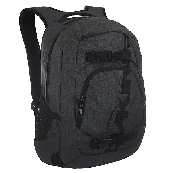 Рюкзак спортивный Dakine Explorer Carbon CarВместительный рюкзак со специальными ремнями для крепления скейта.Технические характеристики: Материал - полиэстер 600D.Основное отделение на молнии.Мягкий карман для ноутбука. Подходит для большинства моделей ноутбуков с диагональю экрана 15.Ремни для скейтборда.Карман на флисовой подкладке для солнцезащитных очков.Сетчатые боковые карманы.Внешний карман на молнии.Эргономичные плечевые ремни.Нагрудный регулируемый ремень.Логотип Dakine.<br><br>Цвет: серый<br>Тип: Рюкзак спортивный<br>Возраст: Взрослый<br>Пол: Мужской