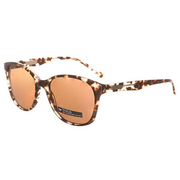 Очки женские Roxy Thalia Xcrm Tortoise Milky/BrownСтильные очки от Roxy в квадратной оправе ручной работы из ацетата.Характеристики:Оправа ручной работы из ацетата. Линзы CR39 - безопасный и ударопрочный пластик. 100% защита от солнечных лучей. Линза 3 категории защиты для превосходной фильтрации в очень солнечную погоду. Линзы Zeiss.Изогнутые петли. Кожаный чехол в комплекте.<br><br>Цвет: черный,коричневый<br>Тип: Очки<br>Возраст: Взрослый<br>Пол: Женский