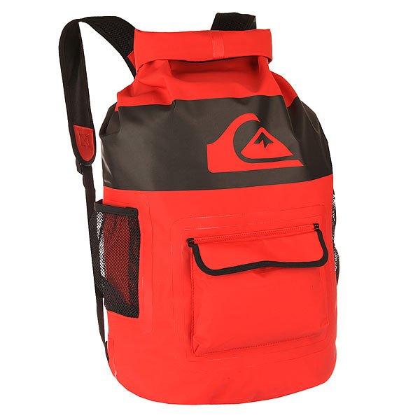 Рюкзак туристический Quiksilver Sea Stash Bkpk Quik RedНепромокаемый рюкзак, выполненный из переработанного пластика, который отлично подойдет для транспортировки мокрой одежды. Внешний карман и боковые сетчатые карманы позволят держать необходимые мелочи в быстром доступе, а единое основное отделение вместит необходимую одежду.Характеристики:1 вместительное основное отделение. Разворачивающийся верх с застежкой. Внешний карман быстрого доступа с клапаном. Боковые сетчатые карманы. Сетчатые лямки. Крупный фирменный логотип QuikSilver. Состав: 100% переработанный пластик.<br><br>Цвет: красный,черный<br>Тип: Рюкзак туристический<br>Возраст: Взрослый<br>Пол: Мужской