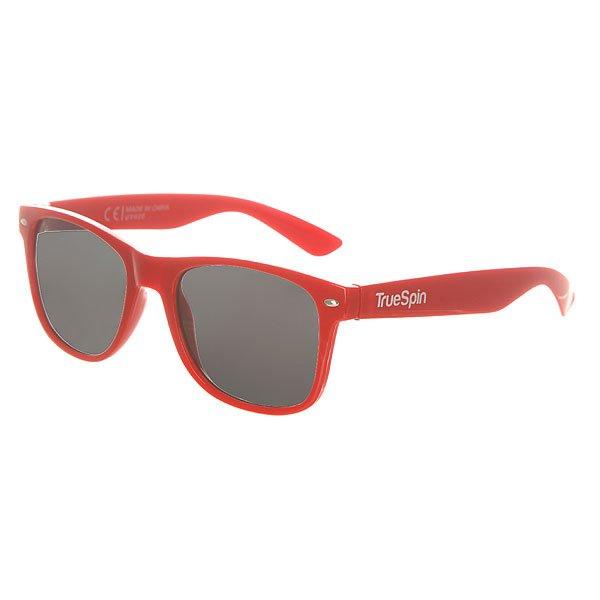 Очки TrueSpin Classic RedСолнцезащитные очки от немецкого бренда TrueSpin, имеющие классическую wayfarer-оправу и зеркальные, цветные линзы. Характеристики:На дужках разместился белый логотип бренда. Оправа из пластика. Линзы из пластика. Металлические петли. Чехол в комплекте.<br><br>Цвет: красный<br>Тип: Очки<br>Возраст: Взрослый<br>Пол: Мужской