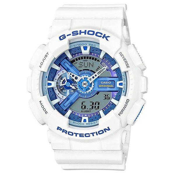 Электронные часы Casio G-Shock Ga-110wb-7a White/DenimМощные и функциональные наручные часы в ударопрочном корпусе из полимерного пластика.Технические характеристики: Автоматическая светодиодная подсветка.Ударопрочная конструкция защищает от ударов и вибрации.Функция мирового времени.Секундомер.Таймер обратного отсчета с функцией автоповтора.Будильник - до 5 независимых ежедневных сигналов.Функция повтора сигнала будильника.Ежечасный сигнал.Полностью автоматический календарь.12/24-часовое отображение времени.Минеральное стекло.Корпус из полимерного пластика.Ремешок из полимерного материала.Устойчивость к воздействию магнитного поля.Срок службы аккумулятора - 2 года.<br><br>Цвет: белый,синий<br>Тип: Электронные часы<br>Возраст: Взрослый<br>Пол: Мужской
