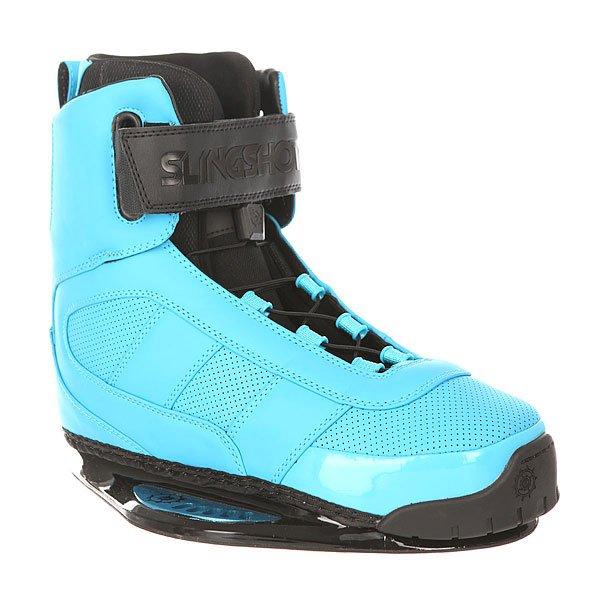 Крепления для вейкборда Slingshot Rad Blue SkyСтильные ботинки с качественными характеристиками. Облегающий вкладыш Reflex и комбинированная система застежки на шнурках и липучках Trifecta-S Velcro позволит настроить посадку всего за несколько секунд.Технические характеристики: Особая конструкция позволяет лучше чувствовать и контролировать доску.Защита пятки тройной плотности.Удобная система шнуровки с верхней застежкой на липучке Trifecta-S Velcro.Стелька из пены EVA.Внутренник Reflex - ботинок легко надевать и снимать за счёт удобного внутренника с нескользящим материалом.Встроенные J-вставки, устраняющие подъем пятки и добавляющие устойчивость лодыжки.3D формованный язычок.Прочные швы.<br><br>Цвет: голубой<br>Тип: Крепления для вейкборда<br>Возраст: Взрослый<br>Пол: Мужской