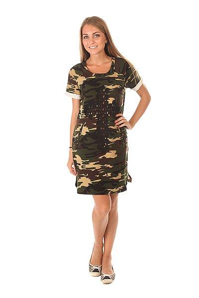 Платье женское Emblem Dress Militery E25 CamoКороткое женское платье с принтом в стиле милитари.Технические характеристики: Воротник с круглым вырезом.Короткие рукава-реглан.Слегка приталенный крой.Карманы для рук.Фигурный подол.Декоративный ажурный принт в виде креста на передней части платья.<br><br>Цвет: черный,коричневый,бежевый<br>Тип: Платье<br>Возраст: Взрослый<br>Пол: Женский