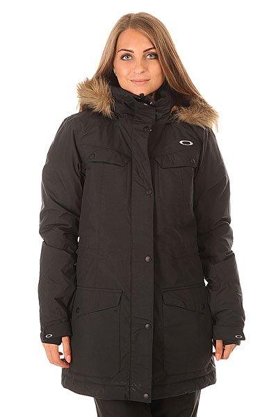 Куртка женская Oakley Lakeside Jacket Jet BlackТеплая зимняя куртка в классическом стиле. Благодаря системе Hydrogauge™ и утеплителю, куртка обеспечит премиум защиту от мороза и влаги при любых погодных условиях.Технические характеристики: Система Hydrogauge® 15 laminate защищает от попадания влаги обеспечивая отличную воздухопроницаемость.Вентиляционные отверстия для повышенного комфорта и регулирования температуры.Легкий утеплитель Down  fill 650.Карманы для рук и потайной карман.Медиа карман.Салфетка для протирания маски HDO®.Капюшон с отделкой из искусственного меха.<br><br>Цвет: черный<br>Тип: Куртка утепленная<br>Возраст: Взрослый<br>Пол: Женский